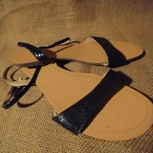 🌊 Black Banana Republic Sandals 😎